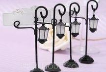 Masa kartlıkları / Özel organizasyonlarınızda misafirlerinizin yerlerini belirleyen minik tasarım objeler . online satış için www.neobutik.com