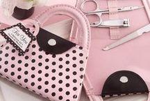manikür setleri / minik tasarım çantalarıyla çok şık manikür setlerini  www.neobutik.com da bulabilirsiniz