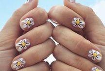 Nails (>。≪)