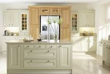 Burbidge's Tetbury  Kitchen / The Tetbury Kitchen comes in natural oak, painted finish or both. With 25 standard colours to choose from, our 'Bespoke Painted Service'and 150th Anniversary Palette you can make the Tetbury Kitchen uniquely yours.