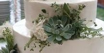 Wedding Cake Flowers / Different ideas about how to decorate wedding cakes with flowers and foliages.