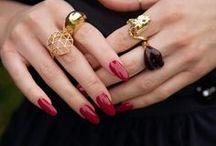 """""""This girl is on fire"""" Collection / Nie tylko nas te stylizacje rozpalają do czerwoności. Wiesz, o czym myślą mężczyźni widząc czerwony manicure na Twoich dłoniach…?  Czerwień - zdecydowanie najseksowniejsza barwa na świecie.   #evonails #thisgirlisonfire #nail #nails #paznokcie #red #rednails #style #sexy #hot #glamour #fire #glamourgirl #hybrid #hybridmanicure #nailstagram #naildesign #nailmaster #clasic #elegant #sexynails #hybridnails #sexynails"""