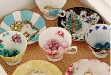 100 Years of Royal Albert / The 100 Years collection celebrates a century of outstanding design, floral heritage and tea drinking. From the pastel mint and floral lines of the art deco 1930s to the rich regal tapestry of the 1900's - you can can mix and match for a fusion of modern-day romanticism and old-school nostalgia.