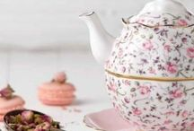 Rose Confetti Teaware / Escape to a floral wonderland with the Rose Confetti collection, a gorgeous range that epitomises femininity and will lift the mood of any occasion with its light-hearted romanticism. Inspired by chintzy designs, minute petals, rosebuds and foliage create a contemporary floral party against the rosy colour.