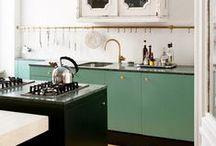 Kitchens / by Raya Carlisle