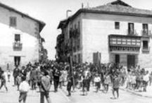 Foto antigua / Sucesos históricos inmortalizados en foto o vestigios del pasado, ya solo existentes en fotografías antiguas