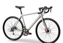 Bicis Ciclocross / Bicicletas Ciclocross: Geometria carretera y ruedas taqueadas. Ideal para asfalto (poca velocidad) y caminos sencillos. Pa'ir a currar, jeje.