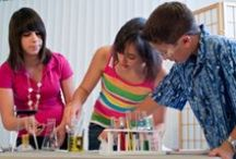 Science in Your Home / Bring the wonders of science into your home, and make family time experiment time.  Not only will you have fun doing these, but a whole lot of learning will be taking place!