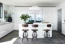 Celebrity kitchen / Who say celebrities don't cook ? See Celebrity Kitchen.. Bon Apétit!