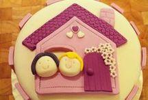 Valentine's cakes-cookies-cupcakes-cakepops.... / raccolta di torte,biscotti,cupcakes ed altro per San Valentino