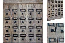 Dekoracje industrialny loftowy / dekoracje z drewna z recyklingu, metal plus drewno, drewno woskowane i drewno szczotkowane. Wszystkie nasze loftowe oraz industrialne przedmioty są zrobione ręcznie i są prowadzone z indii.