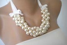Svatební šperky / Vdáváte se, jdete za družičkou, jste maminkou nevěsty,..? Inspirujte se k vytvoření originálního svatebního šperku. Tak budete mít zaručeně originál.
