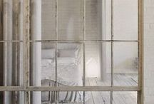 Slaapkamer ❥ Luxe / Glazende stoffen, neutrale kleuren en zilvertinten