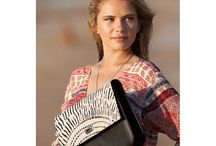 Ooroo Australia / Australian made handbags and accessories featuring NT Australian indigenous textile artists.