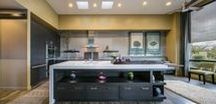 Zen Blend / Calming solitude and lively entertaining meet in Zen-like balance in the Zen Blend kitchen by Wood-Mode