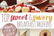 Breakfast muffins & cakes / Top sweet and savory breakfast muffin recipes from the best baking blogs.