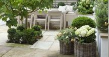 Inspired Small Garden Design / Secrets to planning and styling your fabulous small garden \ urban garden