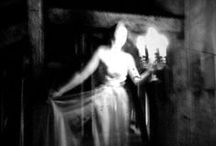 Haunted Realms: Gothic Fiction / Gothic Novels, Films and Art