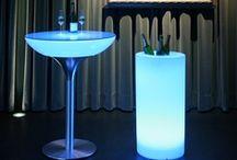 Moree designobjecten @ Verlichtmeubilair / Moree design is gespecialiseerd in verlichte meubels en objecten voor diegenen die van heldere lijnen met een urban uitstraling houden. De verlichte producten van Moree zorgen voor een unieke uitstraling van en in de kamer. Maar er zijn ook varianten beschikbaar voor buiten gebruik. Voor stijlvolle en functionele producten van hoge kwaliteit, neem je een kijkje in de collectie van Moree!