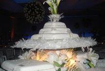 All About  Cakes / Todo  Acerca de las Tortas / Cake Decorating.  / by Moira Watson