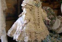 Dresses ecru, antique dolls