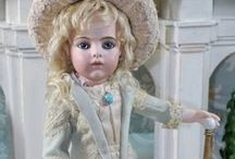 Dresses white-blue-ecru antique dolls