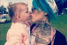 Tattooed Moms / Tattooed moms rock!