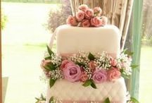 Spring Wedding Cakes / Yes, we selected for you the best cakes for a spring time wedding!