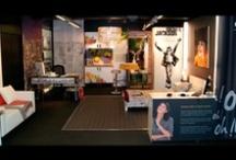 showroom / Nuestro showroom donde puedes ver la impresión de distintos materiales para decoración,  papel pintado, telas, vinilos, cuadros, madera, aluminio, cristal.... Ven a visitarnos, en garibay 32, San Sebastian