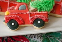 Christmas Cookies / Christmas cookie decorating ideas / by Michelle Grindel Medsker