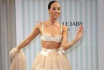 Défilé Collection n°2 Renaissance / Lingerie Maison Lejaby / Les danseuses du Lido défilent pour cette seconde collection Maison Lejaby Couture, Automne/Hiver 2013 (fashion show).