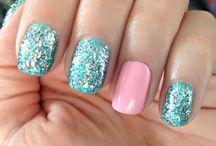 Nails / by Karla Rentería