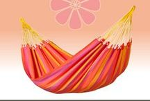 Single Hammock Sonrisa mandarine / LA SIESTA single hammock Sonrisa can be left outside all summer! Sonrisa is from Colombia, where hammocks have always been an essential part of everyday life, fresh and colorful for your garden !!
