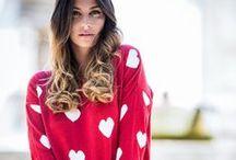 RÜGA   FW 14 / Este Outono/Inverno a RÜGA oferece-lhe malhas aconchegantes e combinações de cores sofisticadas. A RÜGA convida-o a experienciar o verdadeiro sentimento do glamour na cidade, entre amigos, com os nossos vestidos de tricot, ponchos únicos, casacos versáteis, não descurando os acessórios, o complemento perfeito de um look feminino para os dias mais frios da estação.  Caminhe connosco, caminhe com glamour!