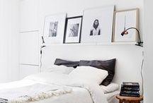Interieur | Schlafzimmer / Manchmal muss das Schlafzimmer, mehr als nur ein Raum zum Schlafen sein. Ein Arbeitsplatz soll wohl möglich auch noch untergebracht werden und ein begehbarer Kleiderschrank wäre auch toll. Doch was macht man, wenn man ein kleines Schlafzimmer hat? Ich mag helle Farben, natürliche Stoffe und wenig Dekoration.