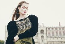 Le château comme décor / Royal blood - Le très élégant reportage de mode de la photographe Camille Richez est visibles aux pages 6 à 15 du magazine Jute de décembre.