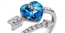heart / Ювелирные украшения в виде сердца или с камнями огранки в форме сердца