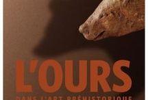 """L'ours dans l'art préhistorique / Tableau relatif à l'exposition """"L'Ours dans l'art préhistorique"""" au Musée d'Archéologie nationale (jusqu'au 30 janvier 2017)."""