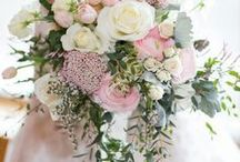 Wedding Flowers / Flowers are such an important part of a wedding.  From the corsages to the centerpieces, flowers are one of the ways you can get really creative and cool with your wedding design.