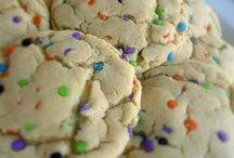 Cookie Recipes / Cookie Recipes | Chocolate Chip Cookies | Sugar Cookies | Snickerdoodle Cookies | Peanut Butter Cookies | Oatmeal Cookies | Cookies from Scratch | Homemade Cookies