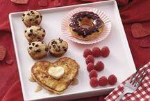 Breakfast/Brunch/BBQ Envy / Nothing beats breakfast in bed.