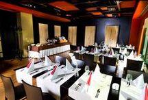 Ken Sai Events Room / Ken Sai Events Room este un salon intim si elegant, in care elementele de design asiatice se imbina cu cele europene. Capacitatea maxima este de 50 locuri in sala, respectiv 16 locuri pe terasa. Spatiul se poate personaliza conform dorintelor, in functie de tipul evenimentului si numarul de invitati.