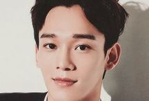 Chen / Kim Jong-dae, better known as Chen, is a South Korean singer and actor. He is one of the main vocalists of the South Korean-Chinese boy group EXO and its sub-group EXO-M.