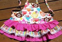 DELANTALES / APRONS / Vestidos para cocinar / Dresses for cooking / by Increible pero fieltro