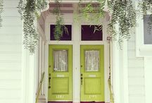 Inspiring Front Doors / Inspiring front doors that just make you want to go right inside. Colourful front door. Quirky front doors. Unusual front doors. Grand front doors.  Ornate front doors. Front doors that stand out from the crowd.