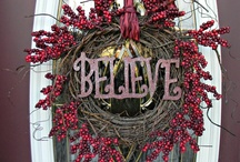 Christmas Wreaths & Boughs / by YesterYear Primitives