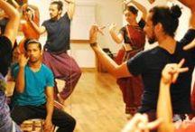 Odissi / Painel sobre Odissi, estilo de dança clássica Indiana tradicional do estado de Orissa, costa leste da India.