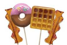 Crazy Candy Cravings / Fantastic lolipops, chocolates, gum and other candies we can't get enough of.