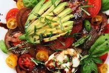 Salaattia sekalaisesti / Salaattireseptejä ja salaattijuttuja.