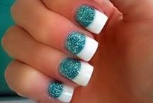 NAIL ART / Nail  polish  brings that extra something to an outfit...... it makes a fashion statement! / by Beautiful Pictures